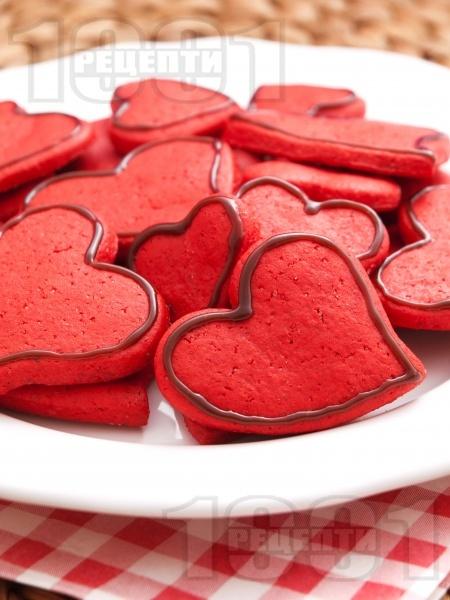 Орехови сладки за Свети Валентин - снимка на рецептата